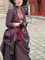 robe 1890 violette et rouge3