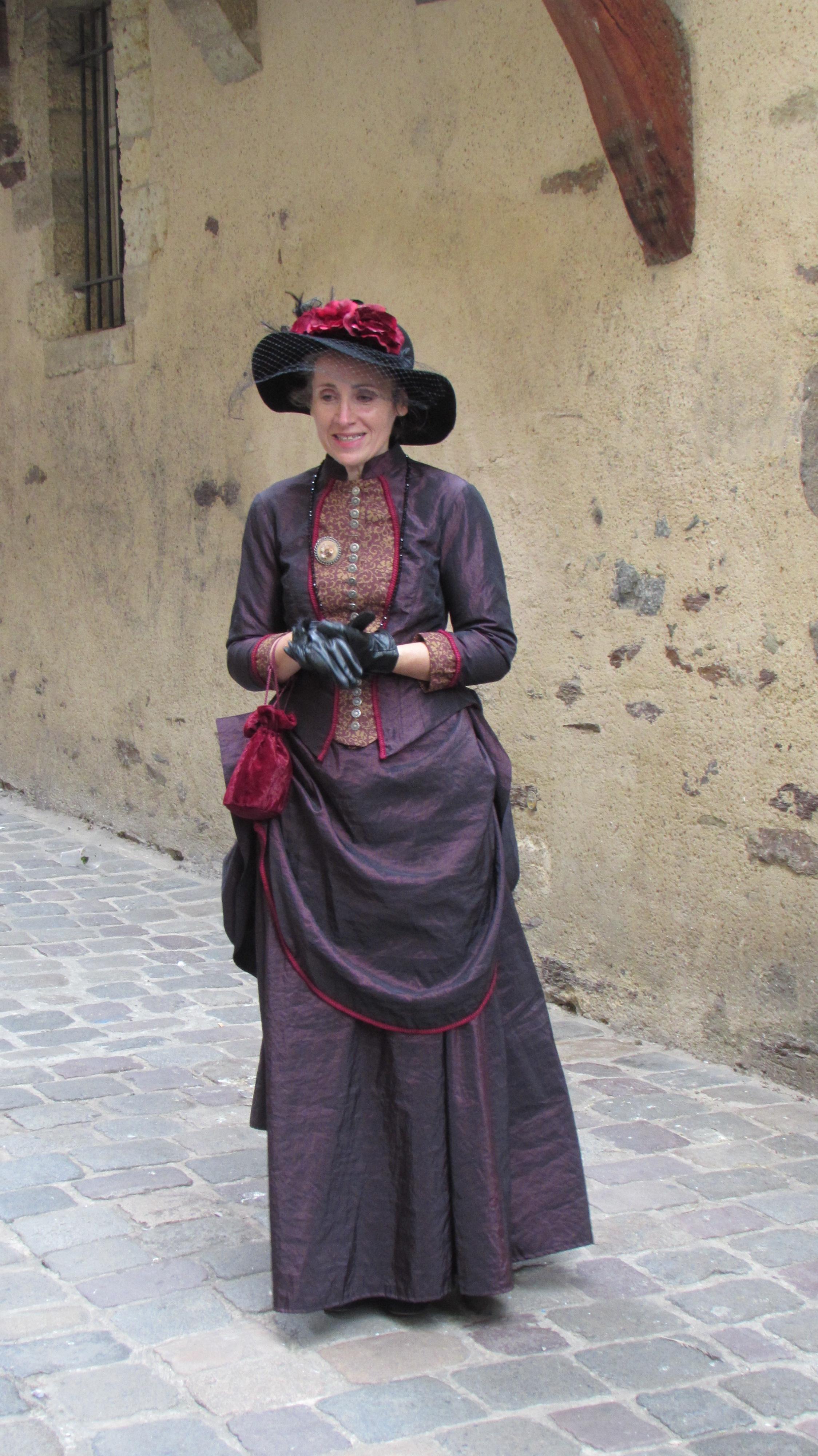 robe 1890 violette